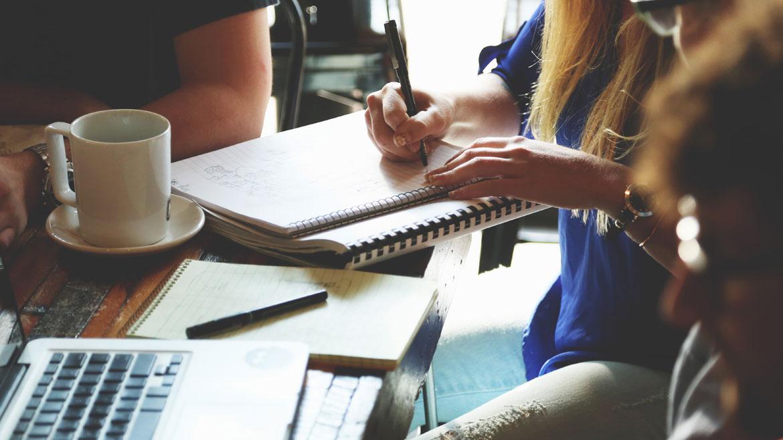 Formación a profesionales de atención directa a personas con TEA